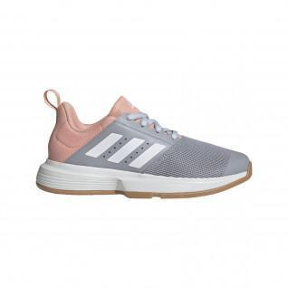 Chaussures femme adidas Essence Indoor
